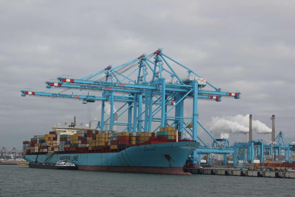 NBM Maersk kade voorschip